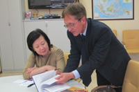 Singapore's Ambassador to Russia visits the Centre