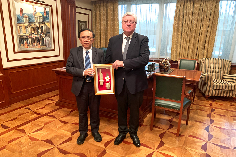 Ambassador of Laos Comes to MGIMO
